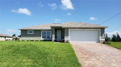 Cape Coral Single Family Home For Sale: 2211 NW 25th Ter