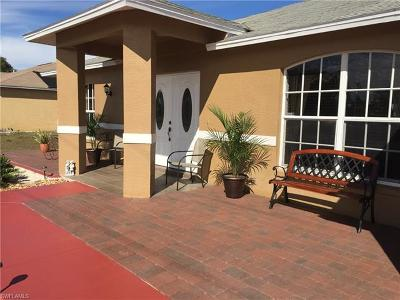 Fort Myers Single Family Home For Sale: 239 Rue Labonne Rd