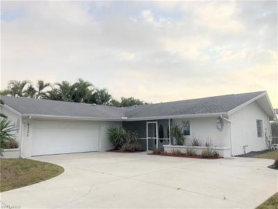 Cape Coral Single Family Home For Sale: 5125 Atlantic Ct