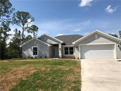 Lehigh Acres Single Family Home For Sale: 186 Townsend Ct
