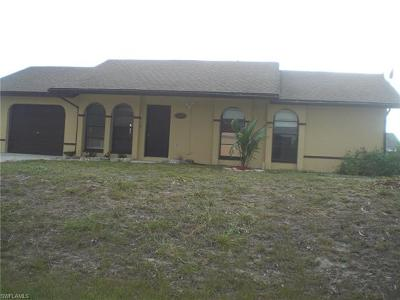 Cape Coral Single Family Home For Sale: 2210 SW 2nd Ct