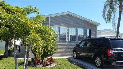 Estero Condo/Townhouse For Sale: 4750 Lafayette Ln W