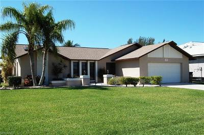 Cape Coral Single Family Home For Sale: 2204 SW 48th Ter
