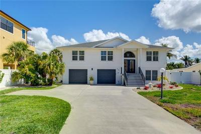 Fort Myers Beach Single Family Home For Sale: 5127 Estero Blvd