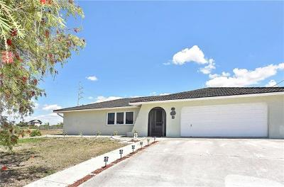 Cape Coral Single Family Home For Sale: 721 NW 3rd Pl