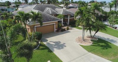 Cape Coral Single Family Home For Sale: 2220 SE 26th St