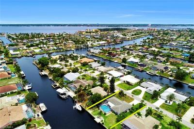Cape Coral Single Family Home For Sale: 1709 SE 39th St