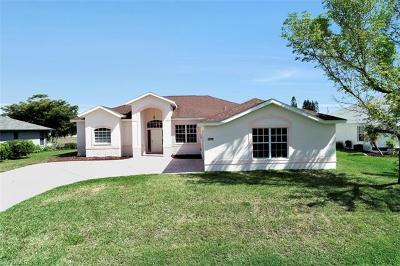 Cape Coral Single Family Home For Sale: 1213 SE 21st Ln