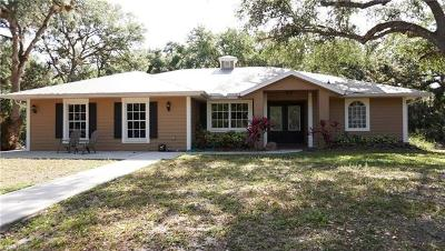 North Fort Myers Single Family Home For Sale: 17910 Sawmill Ln