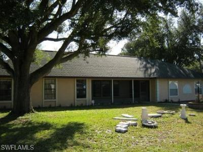 Lehigh Acres Single Family Home For Sale: 218 Lake Ave