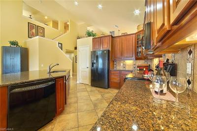 Cape Coral Single Family Home For Sale: 2546 Verdmont Ct
