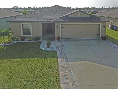 Lehigh Acres Single Family Home For Sale: 175 Shadowview Ct
