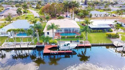 Cape Coral Single Family Home For Sale: 209 SE 35th St