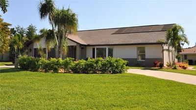 Cape Coral Single Family Home For Sale: 5005 Chiquita Blvd S