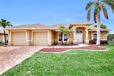 Cape Coral Single Family Home For Sale: 145 SE 27th St