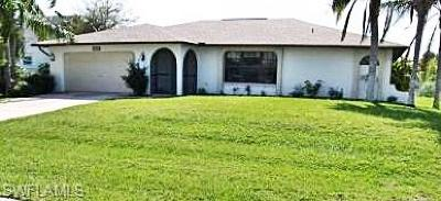 Cape Coral Single Family Home For Sale: 402 SE 31st Ter