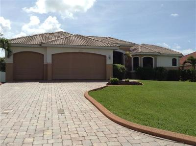 Cape Coral Single Family Home For Sale: 4825 SW 25 Ct