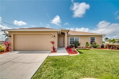Cape Coral Single Family Home For Sale: 536 NW 15th St