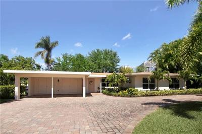Fort Myers Single Family Home For Sale: 6806 Hibiscus Ln