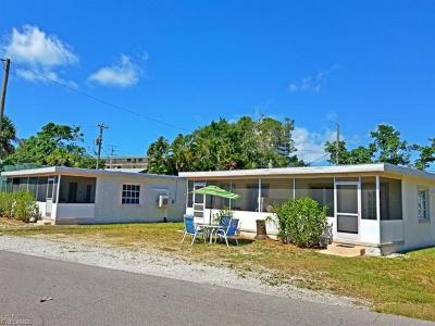 Fort Myers Beach Multi Family Home For Sale: 113-119 Fairweather Ln