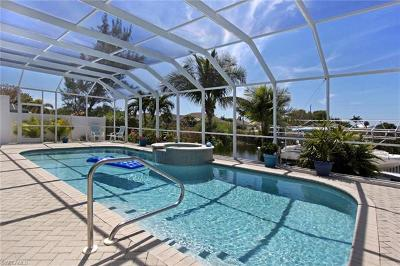 Cape Coral Single Family Home For Sale: 3326 SW 26th Pl