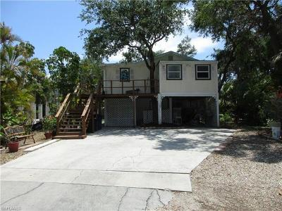 Fort Myers Beach Single Family Home Pending With Contingencies: 166 Coconut Dr