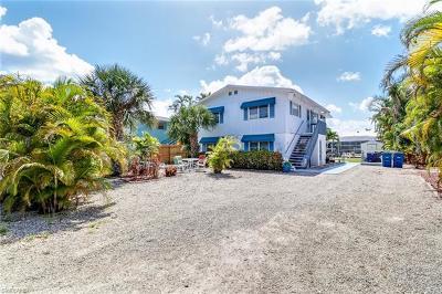 Fort Myers Beach Multi Family Home For Sale: 120/122 Bahia Via
