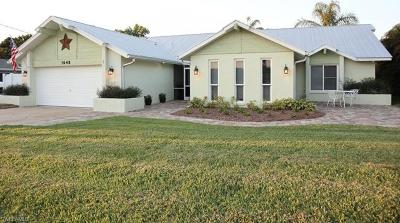 North Fort Myers Single Family Home For Sale: 1648 Saint Clair Ave E