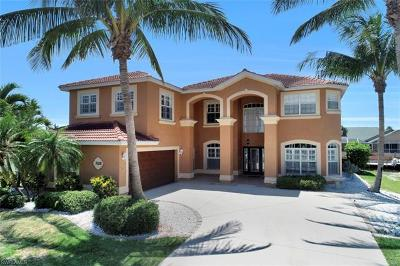 Cape Coral Single Family Home For Sale: 3328 SE 17th Pl