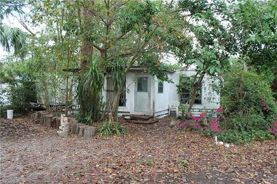 North Fort Myers Mobile/Manufactured For Sale: 8335 Sevigny Dr