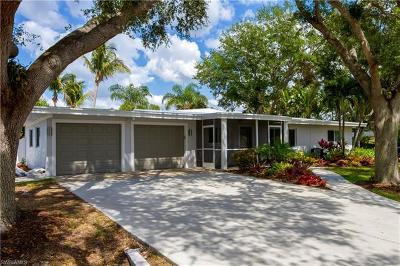 Fort Myers Single Family Home For Sale: 8718 La Chateau Dr