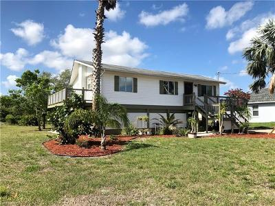 Lehigh Acres Single Family Home For Sale: 2705 5th St SW