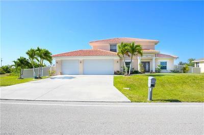 Cape Coral Single Family Home For Sale: 4334 Jacaranda Pky W