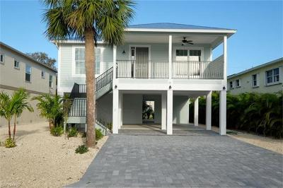 Fort Myers Beach Single Family Home For Sale: 111 Gulfview Ave