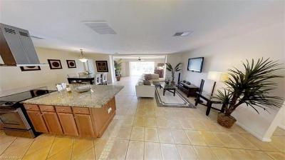 Cape Coral Single Family Home For Sale: 5323 Cobalt Ct