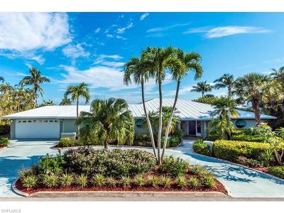 Fort Myers Beach Single Family Home For Sale: 55 Fairview Blvd