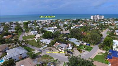 Fort Myers Beach Single Family Home For Sale: 8080 Lagoon Rd