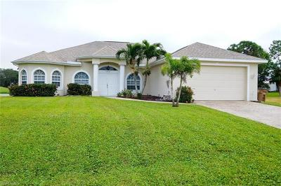 Cape Coral Single Family Home For Sale: 1437 NW 29th Pl