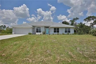 Lehigh Acres Single Family Home For Sale: 433 Vanetta Dr