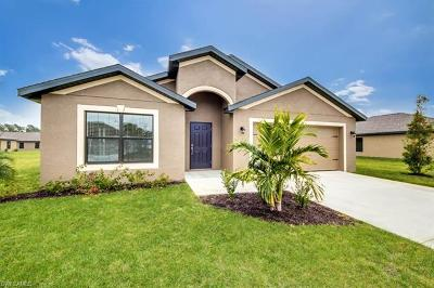 Lehigh Acres Single Family Home For Sale: 744 Evening Shade Ln
