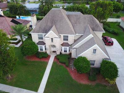 Fort Myers Single Family Home For Sale: 23 Catalpa Ct