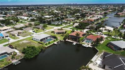 Cape Coral Single Family Home For Sale: 2703 SW 39th Ter