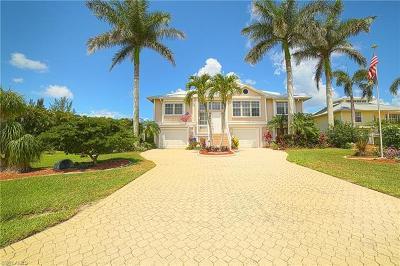 Bokeelia Single Family Home For Sale: 14383 Tamarac Dr