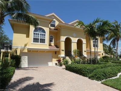 Fort Myers Condo/Townhouse For Sale: 7501 Lake Valencia Ct #1A