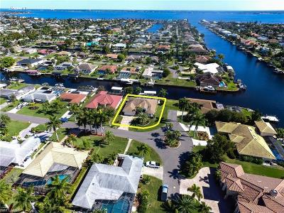 Cape Coral Single Family Home For Sale: 3521 SE 18th Ave