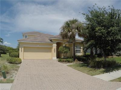 Cape Coral Single Family Home For Sale: 2374 Verdmont Ct
