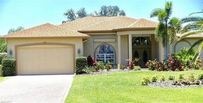 Fort Myers Single Family Home For Sale: 8890 Timber Run Ct