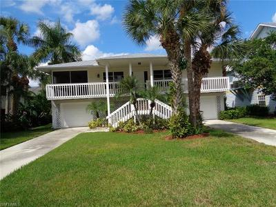 Fort Myers Beach Single Family Home For Sale: 21072 Saint Peters Dr
