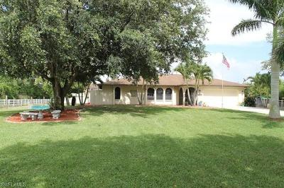 Cape Coral Single Family Home For Sale: 11330 Bridle Ln