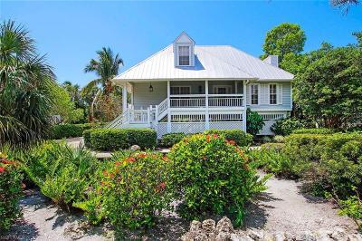 Sanibel Single Family Home For Sale: 218 Daniel Dr